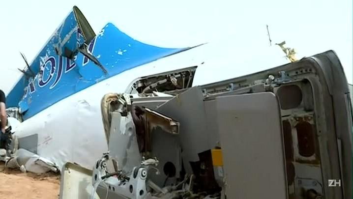EI mostra fotos de suposta bomba que causou a queda do avião