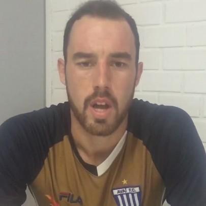 Volante Braga, do Avaí, pede desculpas aos torcedores por declarações polêmicas