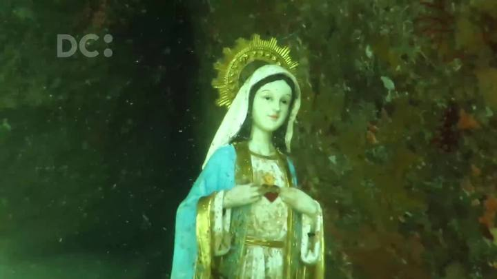 Mergulhadores encontram estátua intacta de santa no fundo do mar na Ilha do Arvoredo, em Florianópolis