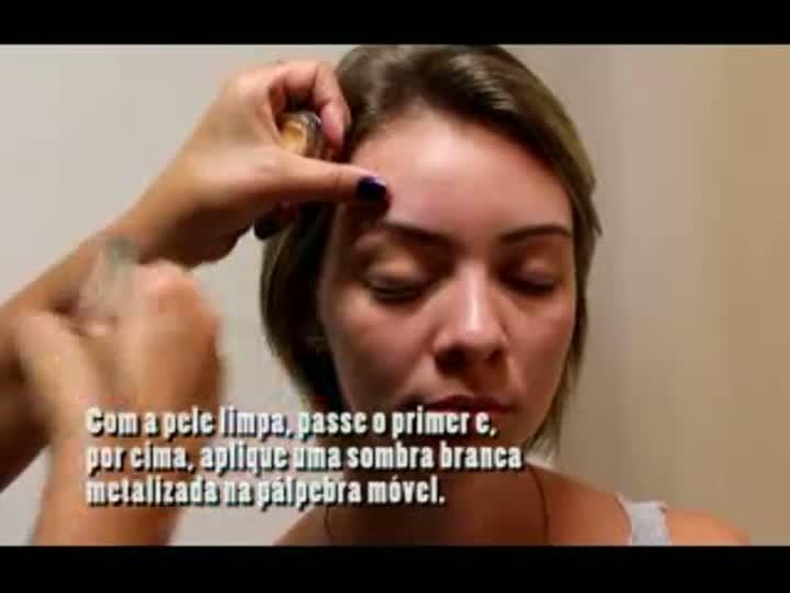 Maquiagem cílios rosa