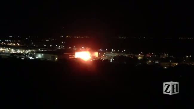 Leitor registra incêndio que atingiu hipermercado na zona sul da Capital