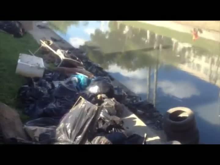 Ação de limpeza do Dilúvio é prorrogada devido ao excesso de lixo. 06/05/2013