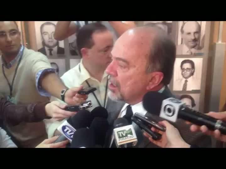 Após divulgação do balanço dos estragos ocorridos no protesto da última segunda-feira, secretário de segurança pública do Estado, Aírton Michels, fala sobre segurança nas próximas manifestações