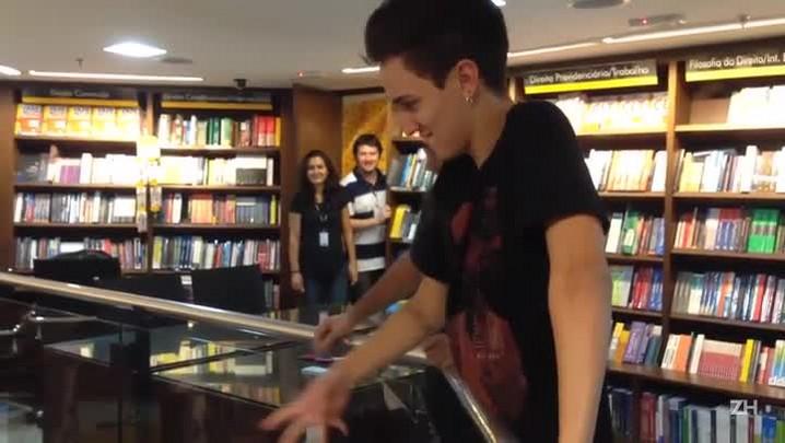 YouTubers levam adolescentes à loucura na Capital