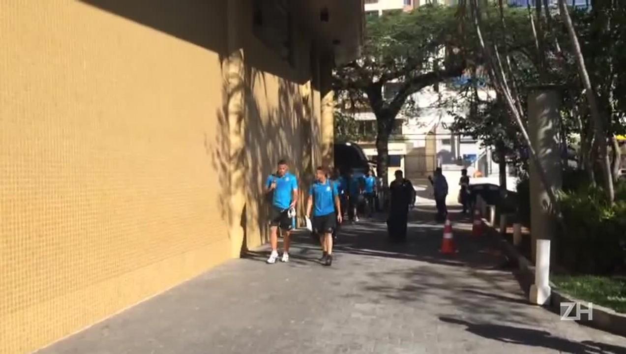 Grêmio chega a Florianópolis para enfrentar o Figueirense
