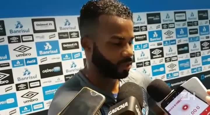 Fernandinho fala sobre o retorno ao Grêmio: Estou muito feliz