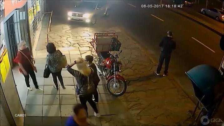 Preso suspeito de assaltar duas vezes em um mês a mesma rede de supermercados em Porto Alegre