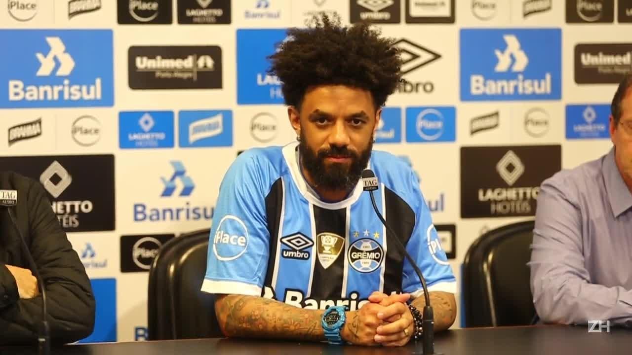 Cristian é apresentado no Grêmio
