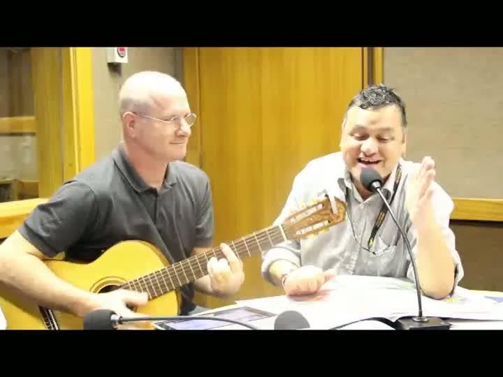 Aula de inglês no Show dos Esportes: Von Mitsen Hugo La Roque cantam Pink Floyd. 04/04/2013