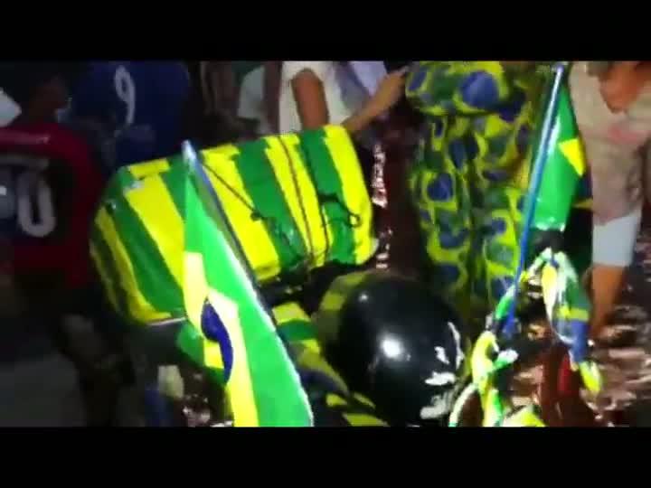 Em Fortaleza, torcida recebe Seleção Brasileira com festa