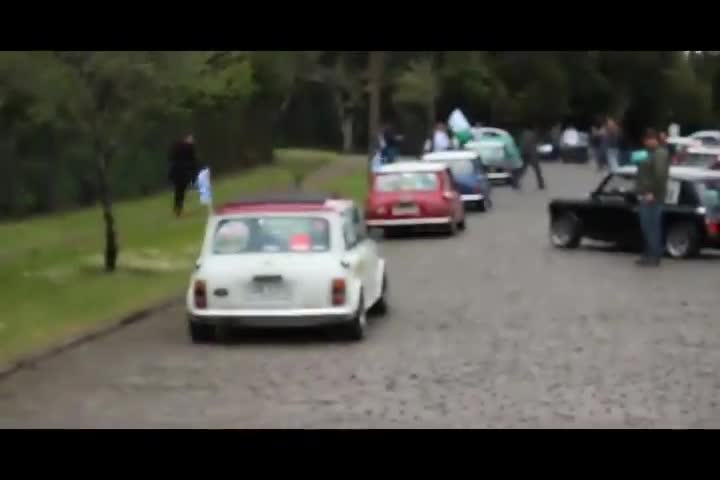 Carros e Motos - Confira o 7º Encontro Internacional de Mini, realizado em Canela - Bloco 1 - 20/10/2013