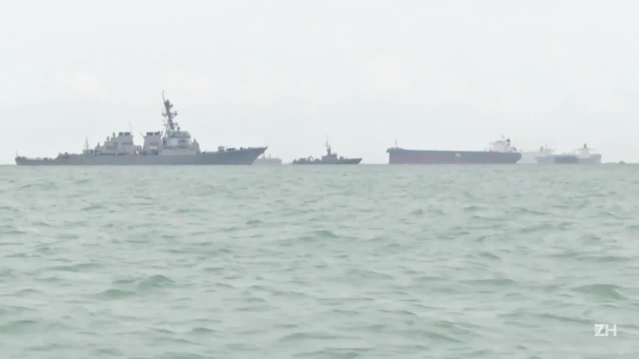 Colisão de navios deixa 10 desaparecidos