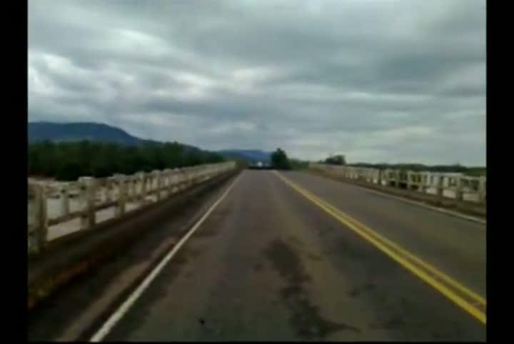 Ponte do rio Jacuí cai em Agudo