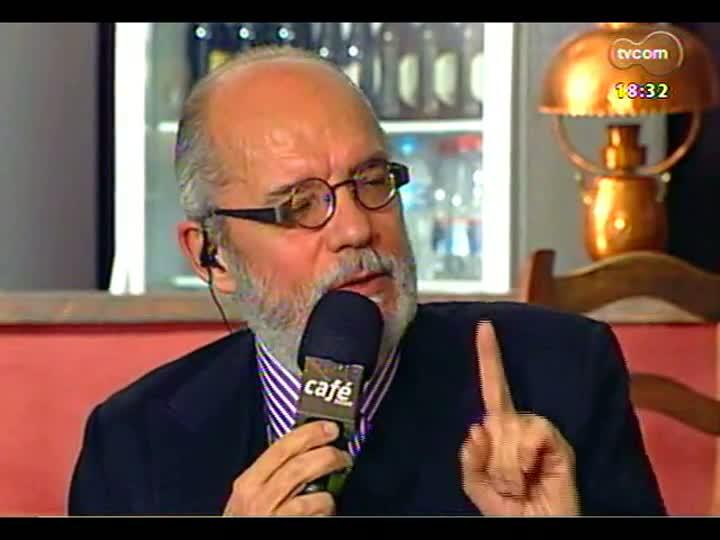 Café TVCOM - O livro de FHC e a \'pornografia\' de Carlo Mossy discutidos no \'Bar da Mata\' - Bloco 3 - 13/07/2013