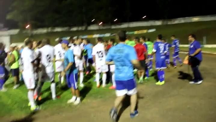 Amistoso entre Aimoré e Brasil-Pel termina em briga