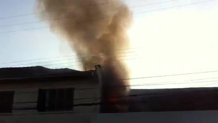 Vídeo mostra incêndio que atinge loja no Centro de Joinville