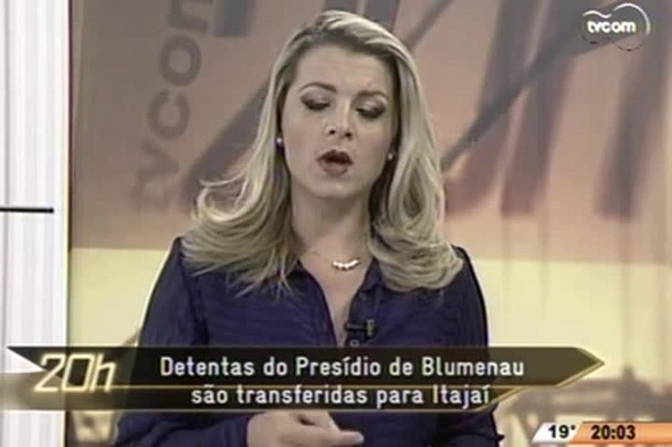 TVCOM 20 Horas - Detentas do Presídio de Blumenau são transferidas para Itajaí - 07.05.15