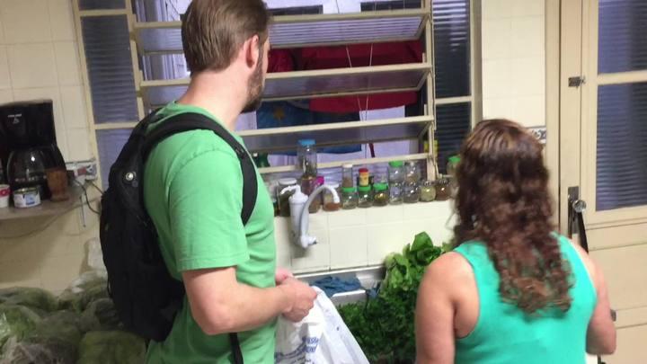 Moradores conhecem nova forma de comprar produtos orgânicos