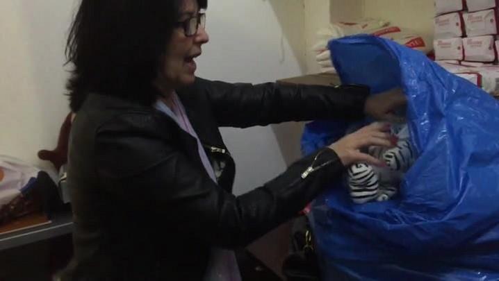 Brechó na Zona Sul troca roupas por alimentos