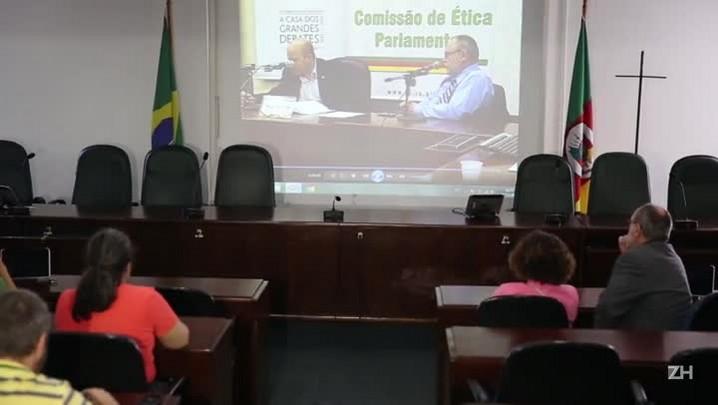 Em depoimento, ex-assessor de Jardel diz que deputado trocou voto por cargos