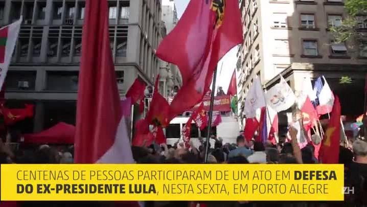 Apoiadores de Lula fazem protesto na Capital
