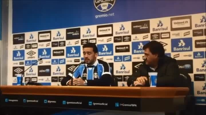 Edílson fala em experiência no retorno ao Grêmio