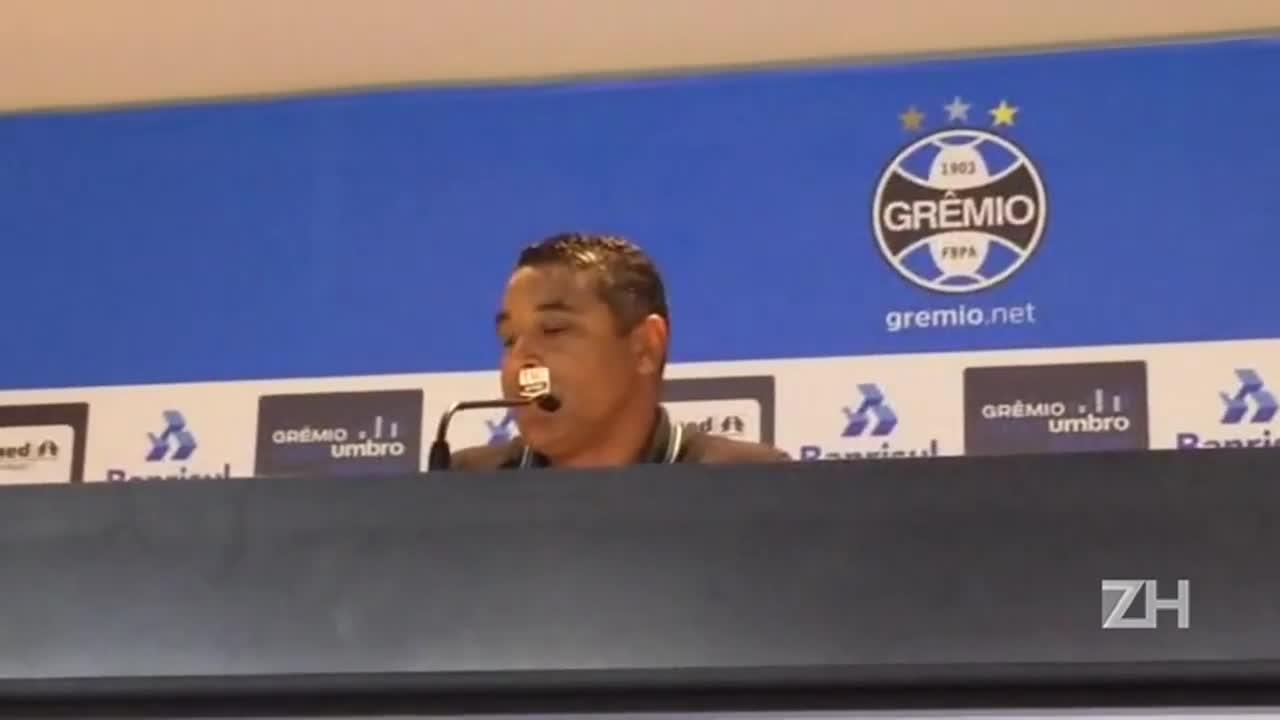 """Roger destaca \""""poder de reação\"""" do Grêmio"""