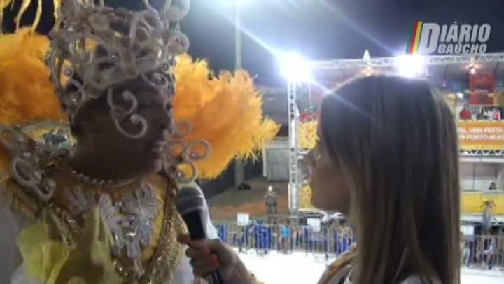 Rei Momo e Rainha do Carnaval emocionados na primeira noite da folia na Capital