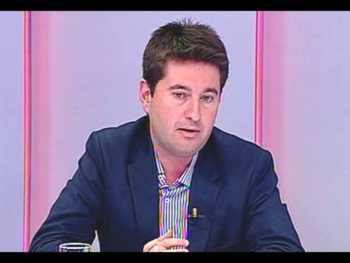 Conversas Cruzadas - Debate sobre as polêmicas da semana: a chegada em fuga do senador boliviano, a vinda dos médicos cubanos, e muito mais - Bloco 2 - 30/08/2013