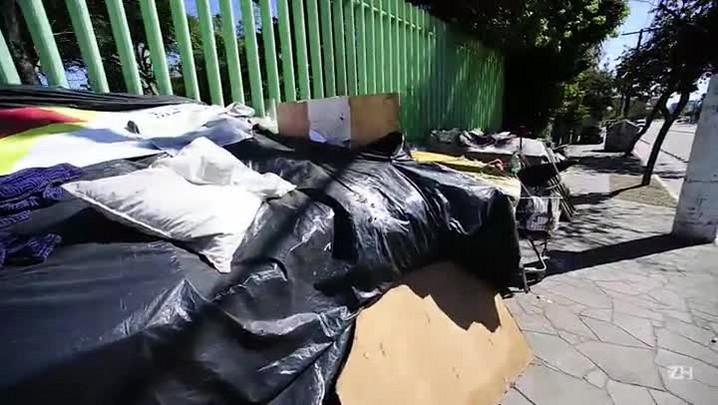 Casas de moradores de rua se multiplicam em Porto Alegre