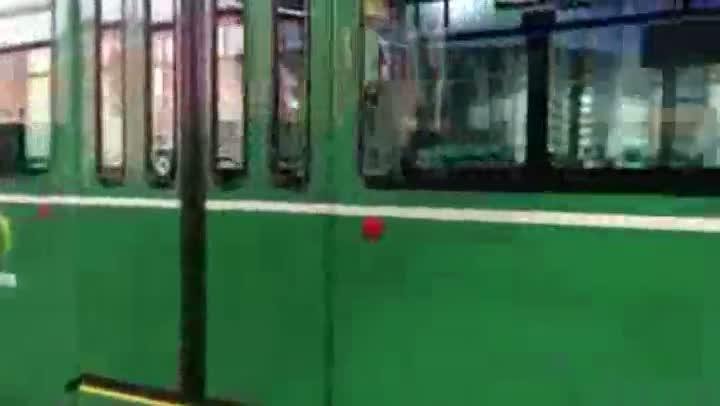 Conheça o Tram, o meio de transporte público de Basel . 13/08/2013