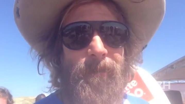 Donavon Frankenreiter manda um recado para a galera da praia
