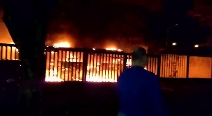 Incêndio em ônibus na Cruzeiro