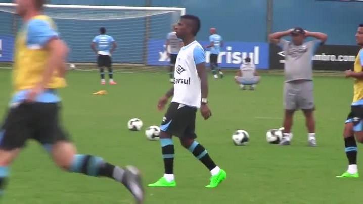 Em recuperação de fraturas na mandíbula, Miller Bolaños volta a treinar com bola