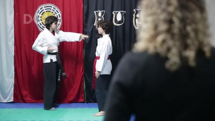 Autodefesa para mulheres: aulões com ensinamentos básicos de artes marciais