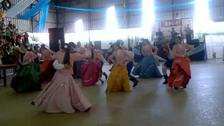CTG Candeeiros da Amizade se apresenta disputando as Danças Tradicionais Força B do 27º Enart