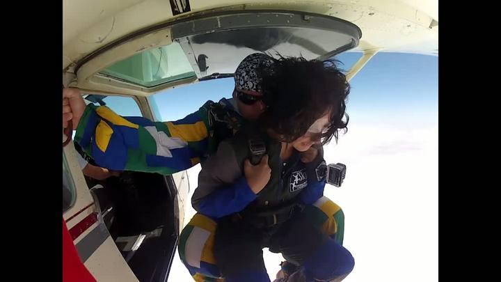Revista de Verão - Salto de paraquedas