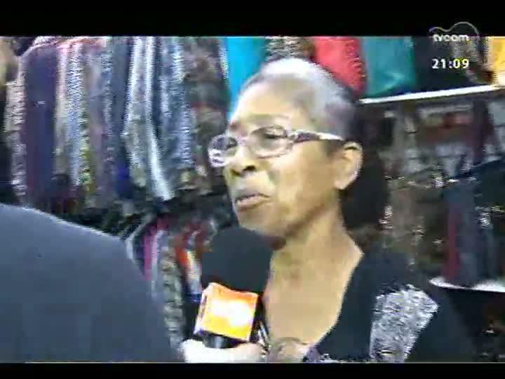TVCOM Tudo Mais - Fabrício Carpinejar segue entrevistando pessoas no camelódromo