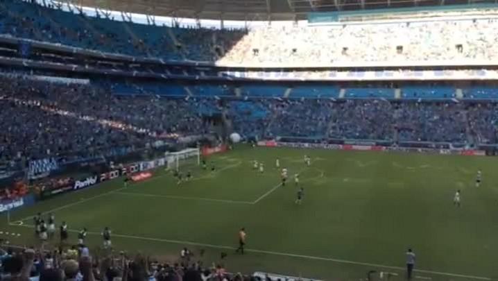 Veja o segundo gol de Barcos - 23/03/2014