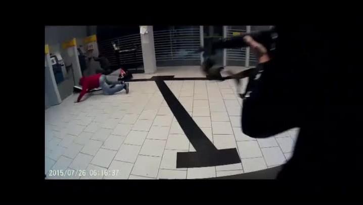 Vídeo mostra prisão em flagrante de assaltantes de banco no RS