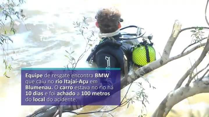 Equipe encontra BMW que caiu no rio Itajaí-Açu em Blumenau