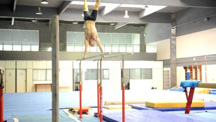 Ginasta da Armênia treina no Sesi, em Blumenau