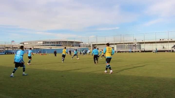 Grêmio treina e simula marcação alta do Rosario Central