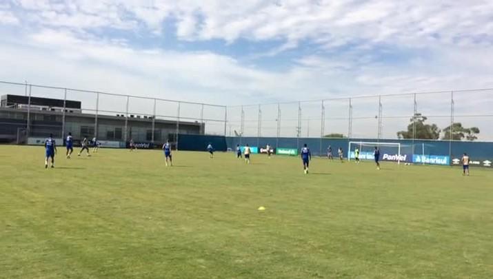 Grêmio treina antes de pegar o América-MG