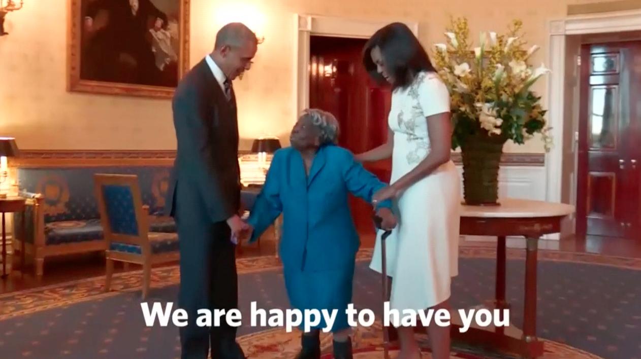 Centenária coloca casal Obama para dançar