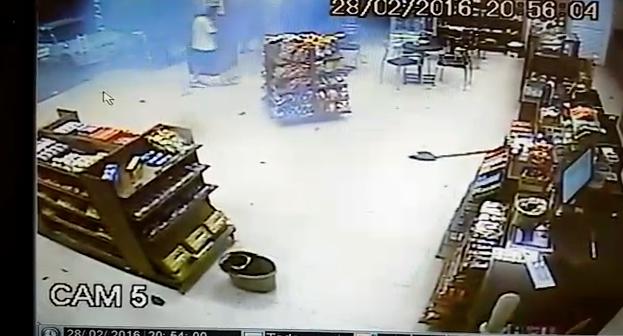 Assaltantes explodem caixa eletrônico em Gravataí